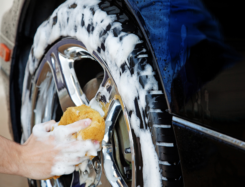 01 ALLOY WHEEL CLEANING  3